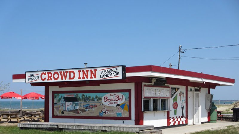 Crowd Inn